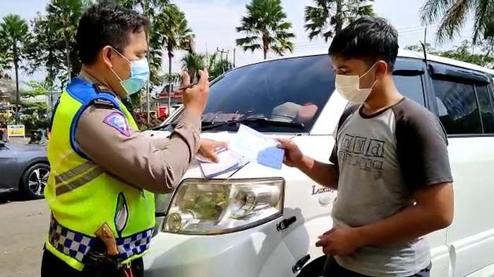 Ambulans Ditilang di Bogor