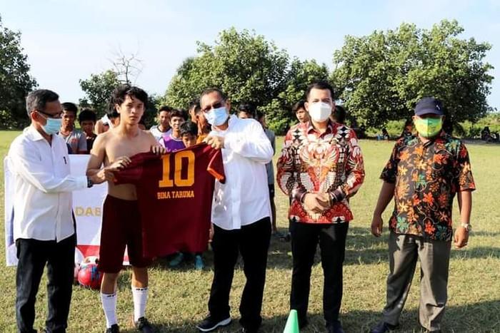 Anggota DPR RI, Muhammad Husni dan Ketua DPRD Kabupaten Serdang Bedagai, M. Riski Ramadhan Hasibuan