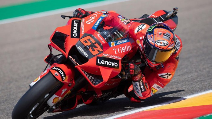 ALCANIZ, SPAIN - SEPTEMBER 10: Francesco Bagnaia of Italy and Ducati Lenovo Team rounds the bend during the MotoGP of Aragon - Free Practice at Motorland Aragon Circuit on September 10, 2021 in Alcaniz, Spain. (Photo by Mirco Lazzari gp/Getty Images)