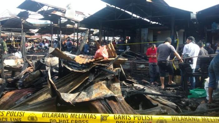 Pasar Bawah Bukittinggi kebakaran.