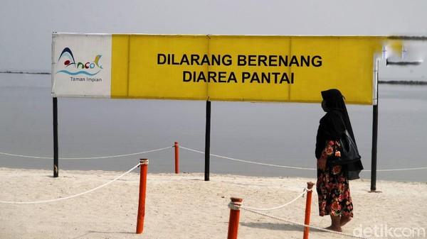 Untuk berenang belum diperbolehkan karena masih dalam suasana pandemi COVID-19.
