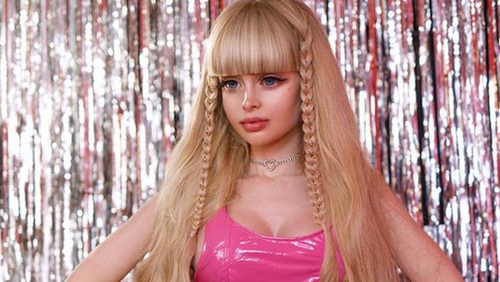 8 Potret Wanita yang Hidup Seperti Barbie, Mengaku Penuh Pengorbanan