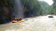 Serunya Rafting Akhir Pekan di Sungai Maiting