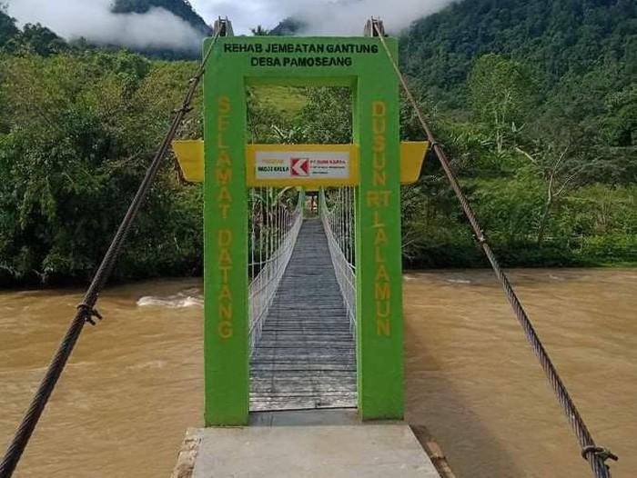 Jembatan gantung di Mamasa rusak yang sempat viral digunakan pelajar kini tuntas diperbaiki.