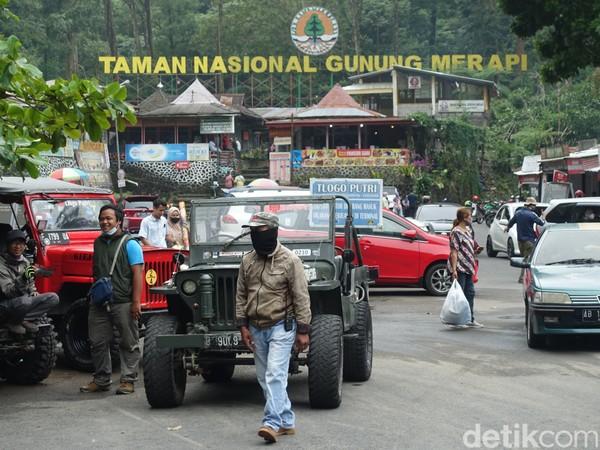 Kawasan Tlaga Putri Kaliurang, Minggu (12/9) sejak pagi hingga siang banyak wisatawan berdatangan. (Jauh Hari Wawan S/detikcom)