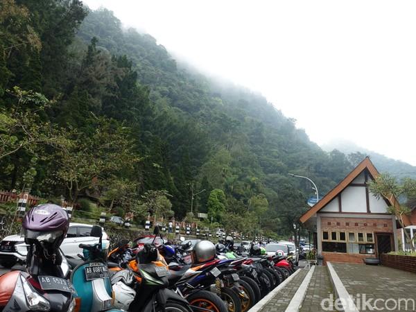 Selama ini wisata Tlogo Putri masih ditutup. Hanya saja, yang buka baru kawasan kuliner saja. (Jauh Hari Wawan S/detikcom)