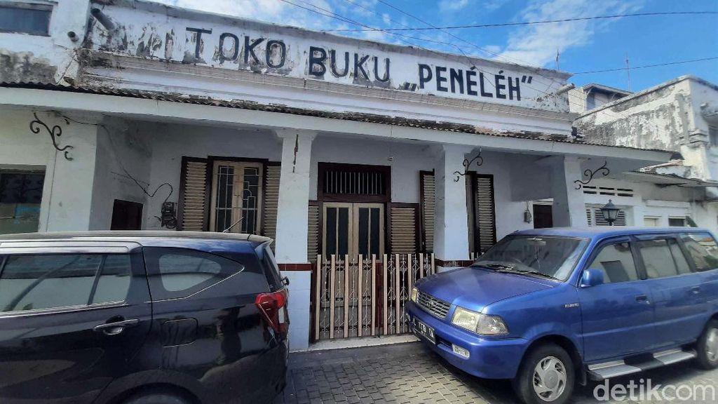 Melacak Jejak Soekarno di Toko Buku Tertua Surabaya