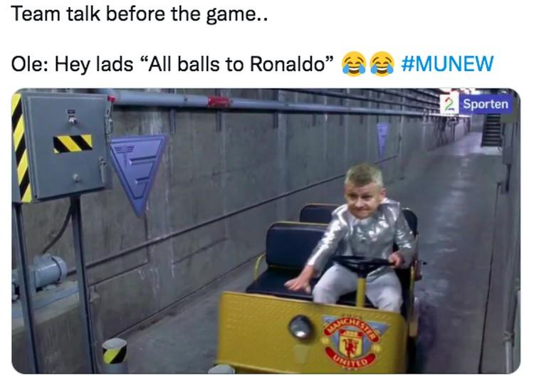 Meme Ronaldo Tampil Perdana Bersama Manchester United