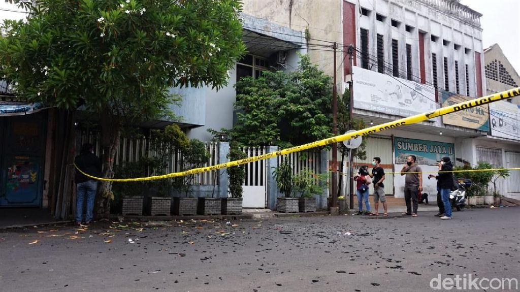 Penampakan Lokasi Ledakan Keras yang Rusak Rumah di Kota Mojokerto