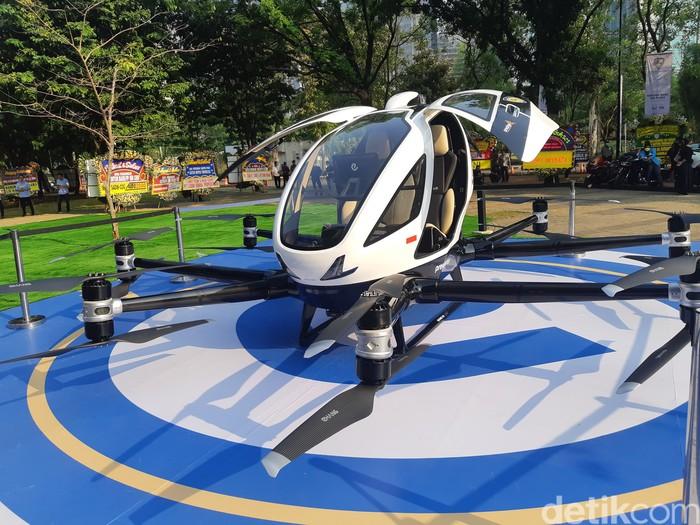 Taksi Terbang EHang 216 seharga Rp 8  miliar