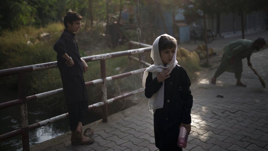 Tokoh Taliban Sebut Wanita Tak Bisa Kerja Bareng Pria, China Tutup Sekolah