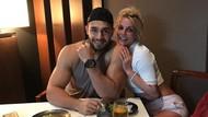 Romantisnya Britney Spears dan Sam Asghari Saat Dinner Berdua