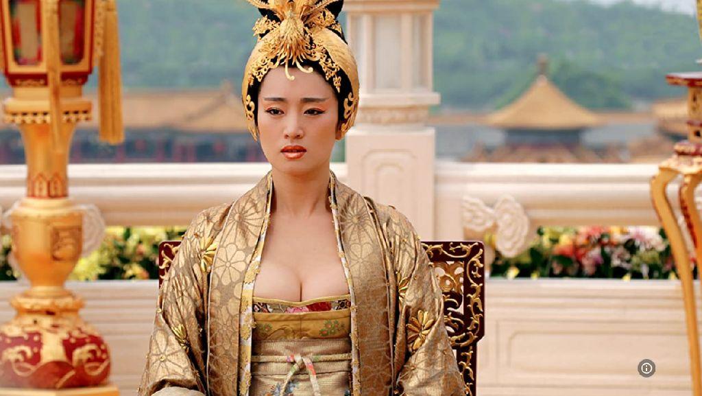 Kisah Gong Li, Aktris Cantik dari Mandarin ke Hollywood