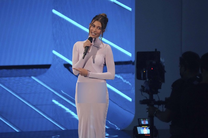 Hailey Bieber introduces a performance by Kacey Musgraves at the MTV Video Music Awards at Barclays Center on Sunday, Sept. 12, 2021, in New York. (Photo by Charles Sykes/Invision/AP)