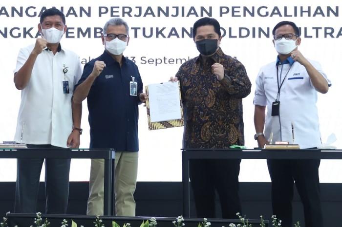 Holding Ultra Mikro yang melibatkan tiga entitas BUMN yakni PT Bank Rakyat Indonesia (Persero) Tbk. atau BRI, PT Pegadaian (Persero) dan PT Permodalan Nasional Madani (Persero) atau PNM resmi terbentuk.