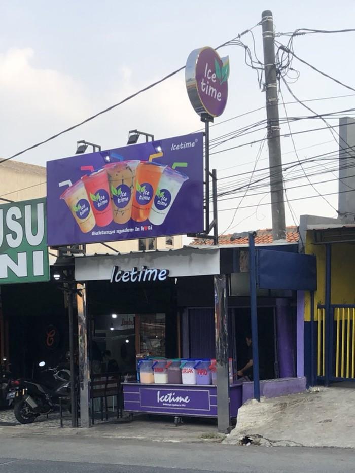 Kocak! Gerai Minuman di Depok Ini Nama dan Logonya Mirip Chatime
