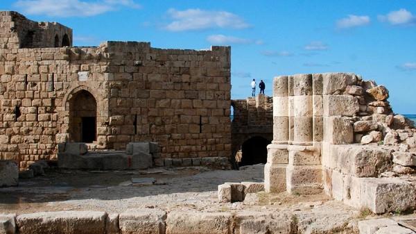 Tak cuma Byblos dan Beirut. Ada juga Sidon yang dipercaya telah diduduki sejak 4000 hingga 6000 SM. Beberapa tokoh sejarah seperti Alexander the Great dikatakan pernah mengunjungi tempat ini. Berjarak sekitar 40 kilometer dari Beirut, kota tertua Sidon terletak di pesisir dan berfungsi sebagai pelabuhan (istimewa)