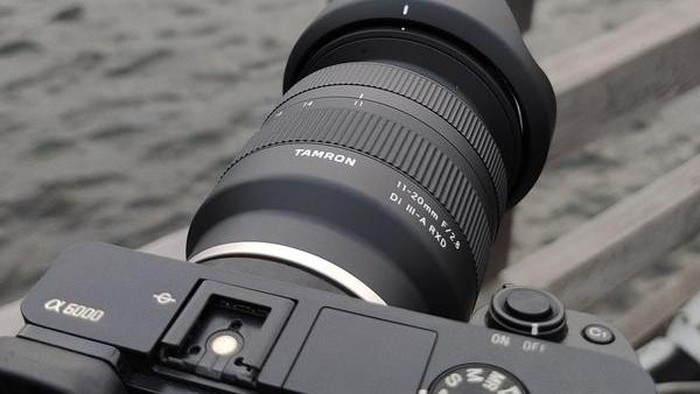lensa tamron 11-20mm f/2.8 untuk kamera sony