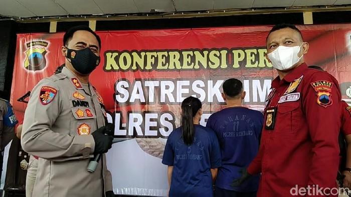 Pasutri di Rembang ditangkap terkait dugaan pemalsuan pernikahan, Senin (13/9/2021).