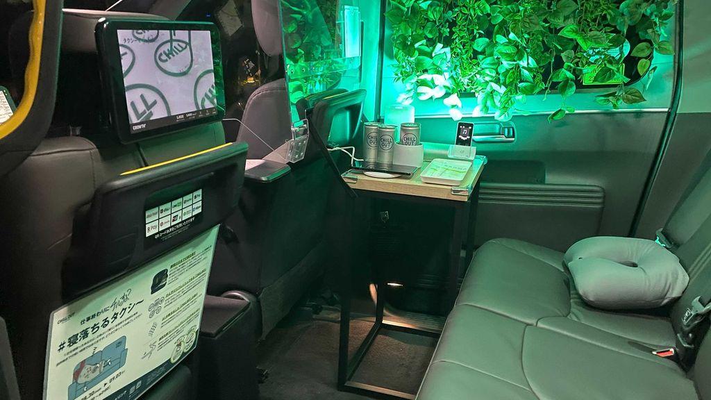 Taksi yang menawarkan fitur tidur selama perjalanan