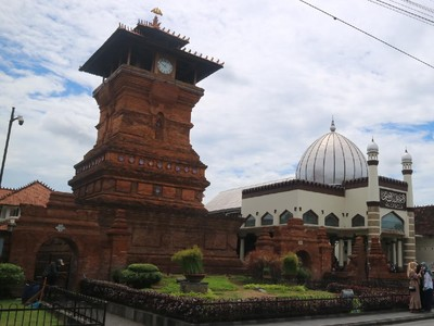 Wisata Religi Jadi Pilihan Peziarah Luar Daerah Kudus
