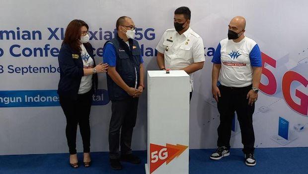 XL Axiata membuka program sentra vaksinasi Indonesia Bangkit di Medan, Sumatera Utara. Seiring hal tersebut, operator seluler ini mengenalkan sekaligus sosialisasi akan layanan 5G ke masyarakat.