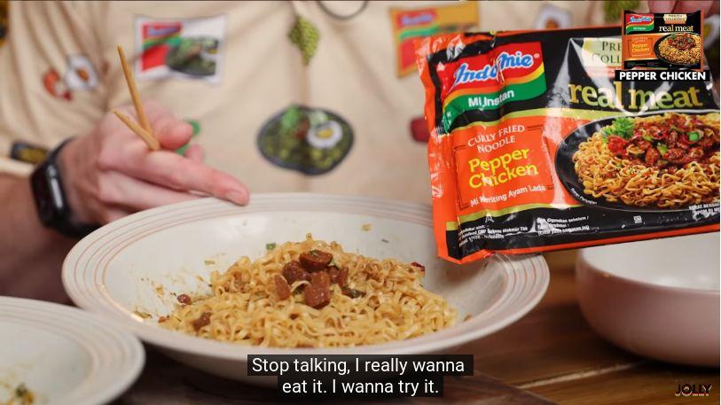 YouTuber Inggris Cicip Puluhan Rasa Indomie