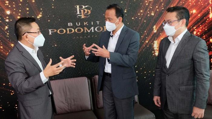 PT Agung Podomoro Land Tbk (APL) menghadirkan hunian eksklusif terbaru di kawasan premium Jakarta Timur. Hunian itu bernama Bukit Podomoro Jakarta.