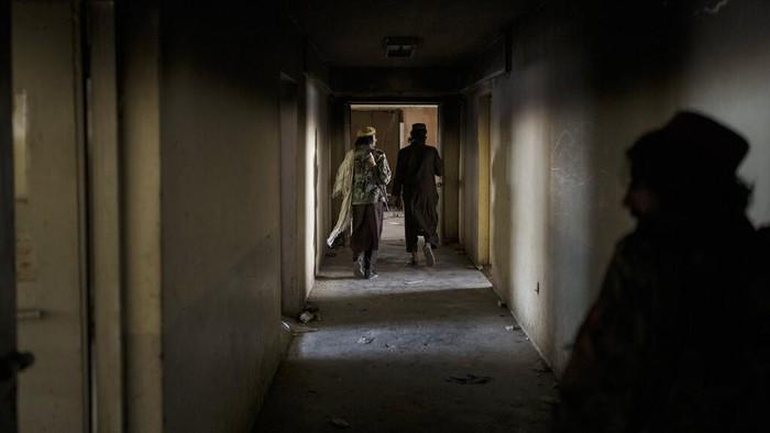 Usai ambil alih pemerintahan Afghanistan, Taliban turut menguasai fasilitas publik di Kabul. Salah satunya penjara Pul-e-Charkhi. Bagaimana kondisinya kini?