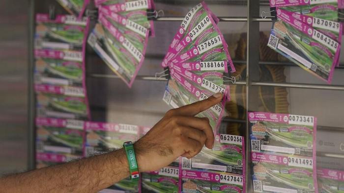 Lotre dengan hadiah yang tak biasa kembali curi atensi di Meksiko. Rumah bandar narkoba Joaquin