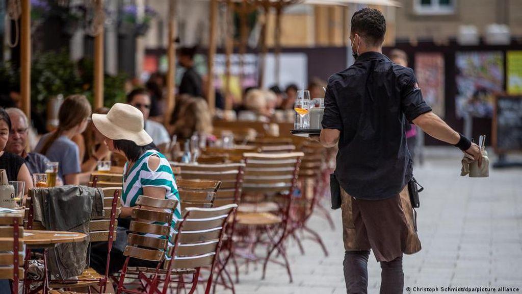 Hotel-Restoran Jerman Sibuk Cari Pekerja Agar Bisa Operasi Normal Lagi