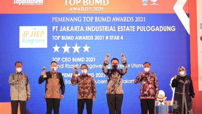 TOP BUMD Award 2021 telah sukses digelar. PT Jakarta Industrial Estate Pulogadung (JIEP) meraih 3 penghargaan.