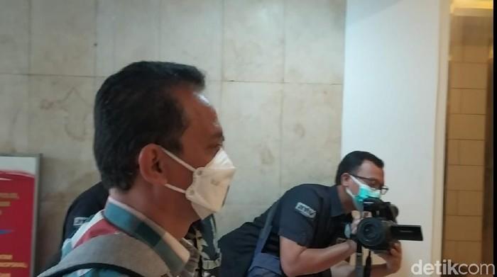 Kalapas Tangerang tiba di Polda Metro Jaya (Yogi Ernes/detikcom)