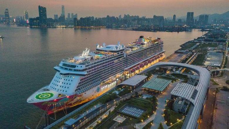 Kapal pesiar di Hong Kong