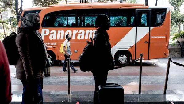 Menparekraf Sandiaga Uno mengatakan bahwa dukungan program penyediaan akomodasi dan fasilitas pendukung lainnya, seperti sarana transportasi bagi nakes, Tenaga Penunjang Fasilitas Kesehatan (Faskes) Penanganan COVID-19 yang merupakan bagian dari program Pemulihan Ekonomi Nasional (PEN) di sektor pariwisata dan ekonomi kreatif tahun 2021 sudah dijalankan sejak 1 September 2021.