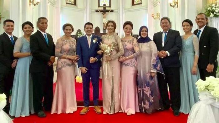 Pemberkatan pernikahan putra Minati Atmanagara, Catra.