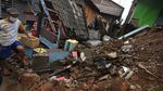 Ngeri! Rumah Warga di Banten Roboh Gegara Hujan-Angin Kencang