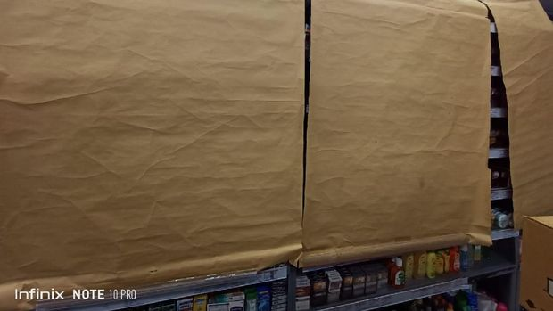 Pajangan rokok ditutup di minimarket DKI