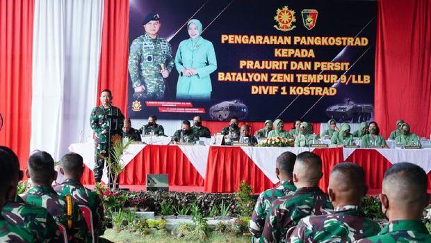 Pangkostrad,  Letjen TNI Dudung Abdurachman di Batalyon Zipur 9 Kostrad, Ujungberung, Bandung, Jawa Barat. Senin (13/9/2021).