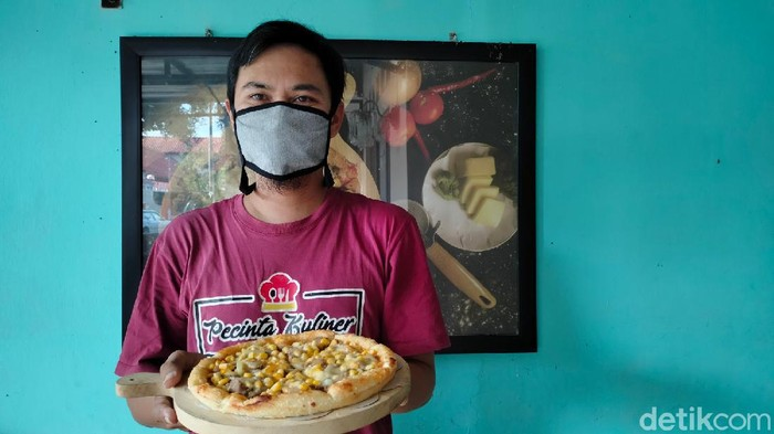Penjual pizza asal Majalengka.
