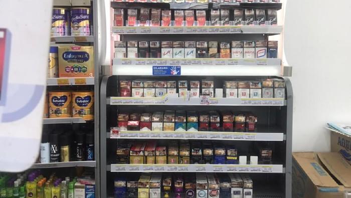 Rokok di minimarket/Siti Fatimah-detikcom