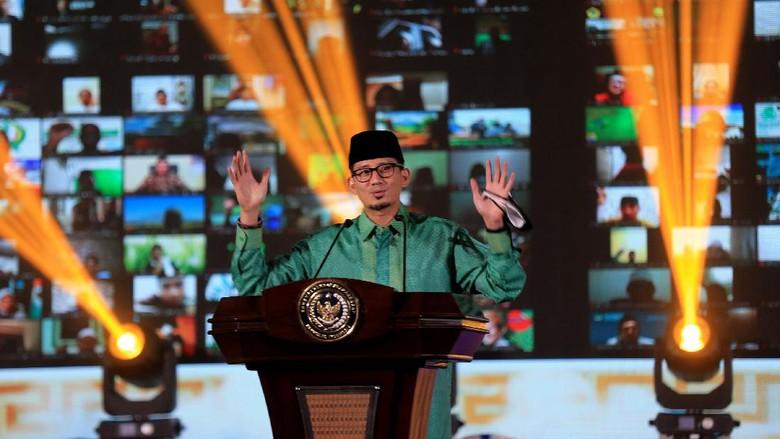 Menteri Pariwisata dan Ekonomi Kreatif Salahudin Uno meluncurkan program Santri Digitalpreneur Indonesia. Santri akan dilatih pengembangan konten digital.