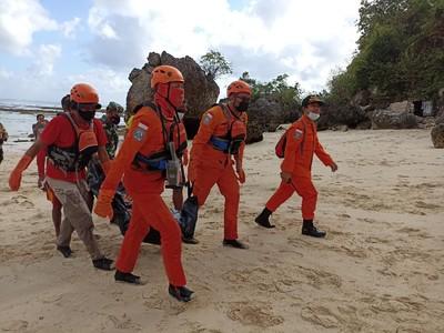 Tiga Hari Menghilang, Wisatawan Ditemukan Tewas di Pantai Dreamland Bali