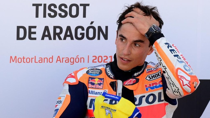 Honda Spanish rider Marc Marquez reacts after the Moto Grand Prix of Aragon at the Motorland circuit in Alcaniz on September 12, 2021. (Photo by LLUIS GENE / AFP)
