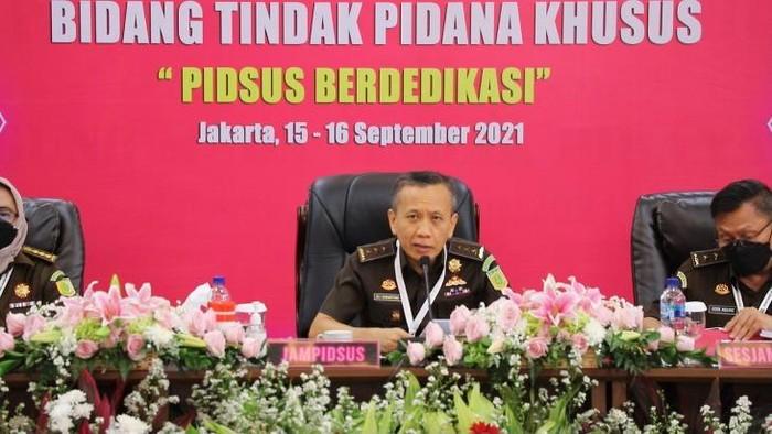 Jampidsus Kejagung, Ali Mukartono, dalam rapat kerja teknis Pidsus, Rabu (15/9/2021).