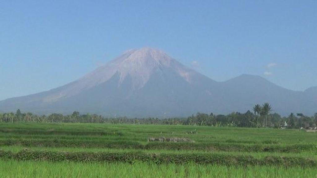 Gunung Semeru Muntahkan Lava Pijar, Status Waspada Level II