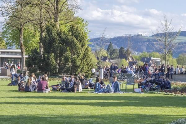 Destinasi indah lainnya adalah Rose Garden. Di sini wisatawan datang untuk piknik dan menikmati alam. (Getty Images/iStockphoto)