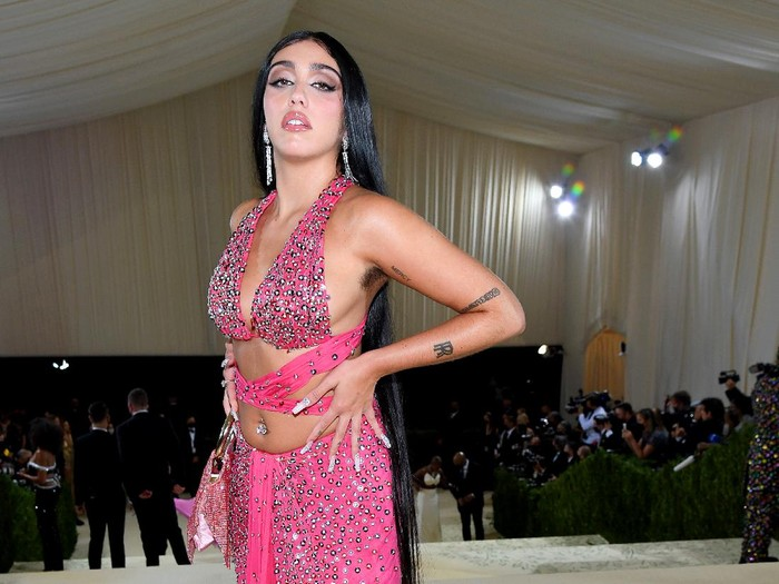 NEW YORK, NEW YORK - SEPTEMBER 13: Lourdes Leon attends The 2021 Met Gala Celebrating In America: A Lexicon Of Fashion at Metropolitan Museum of Art on September 13, 2021 in New York City. (Photo by Dimitrios Kambouris/Getty Images for The Met Museum/Vogue )