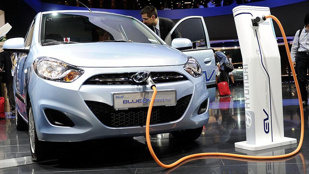 Mobil Listrik Makin Canggih: Montir Bengkel Bakal Punah
