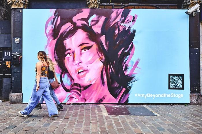 Mural Amy Winehouse di Camden High Street, London